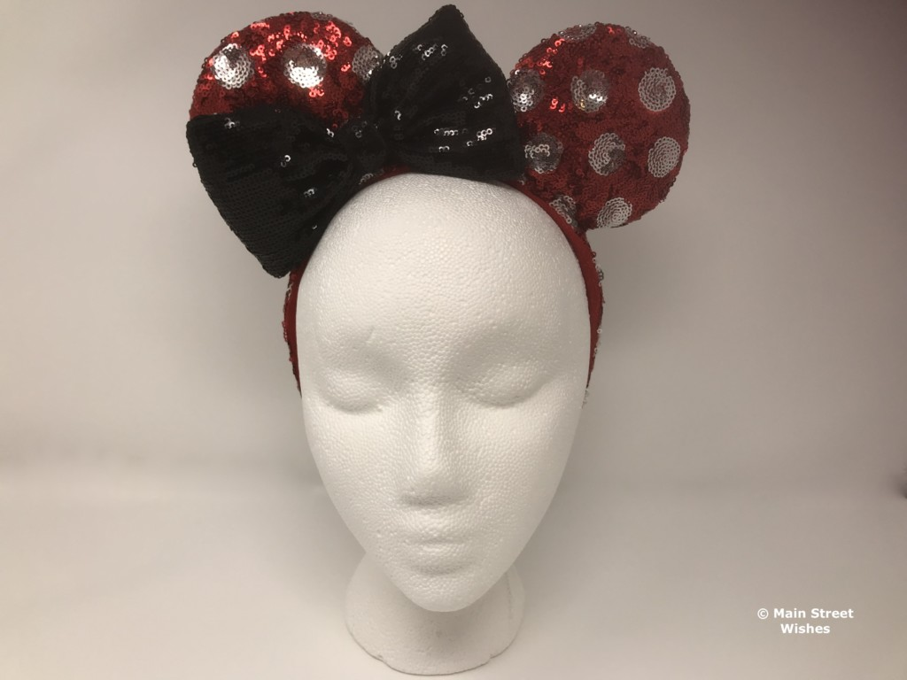 This week s ears in the spotlight are a cute pair that has a slightly  different bow design than most Minnie Ear Headbands. 36a6cbdd7584
